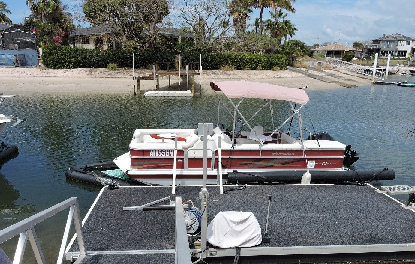 2014 Hurricane 20ft Fundeck FD 196 OB Pontoon Boat