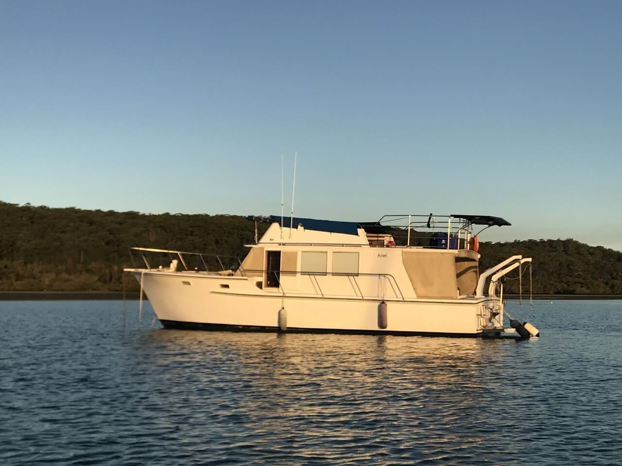 GILCRAFT 40' FLYBRIDGE CRUISER