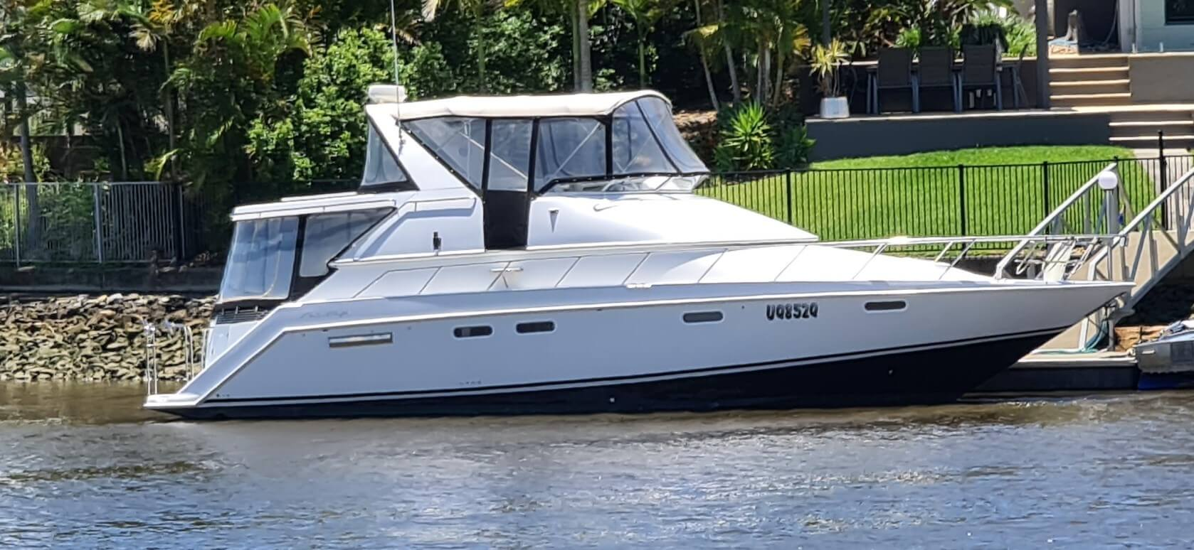 1994 Chris Craft 421 Continental Express Cruiser